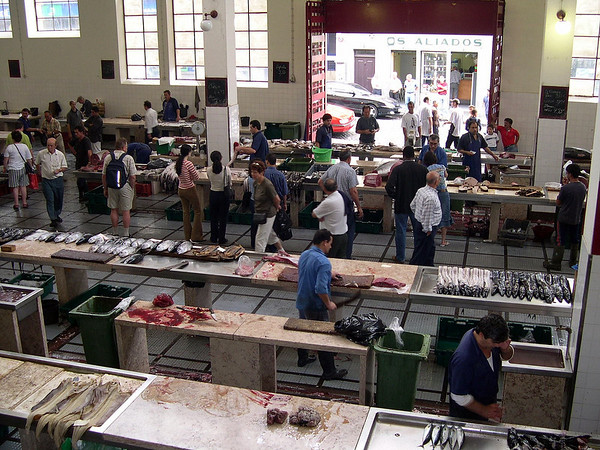Fiskemarkede i Funchal...her var det yrande liv og veldig fasinerande og stå og fylgja med på handelen som føregjekk...