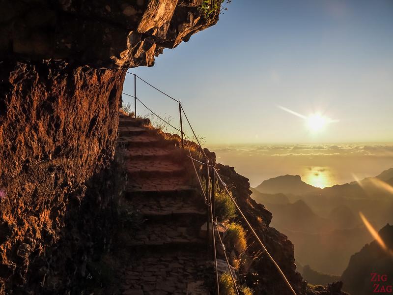 Pico do Arieiro to Pico Ruivo hike stairs