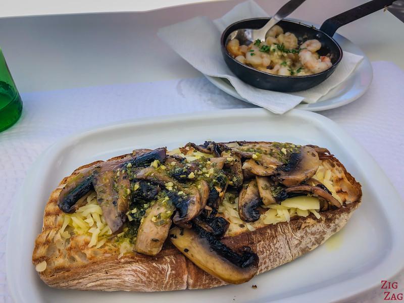 Praia do Garajau Beach - restaurant 3