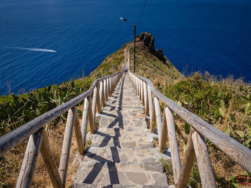 Ponta do Garajau viewpoint staircase