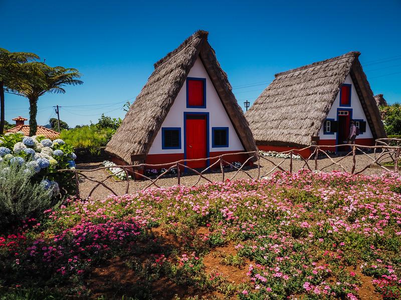 Santana traditional houses