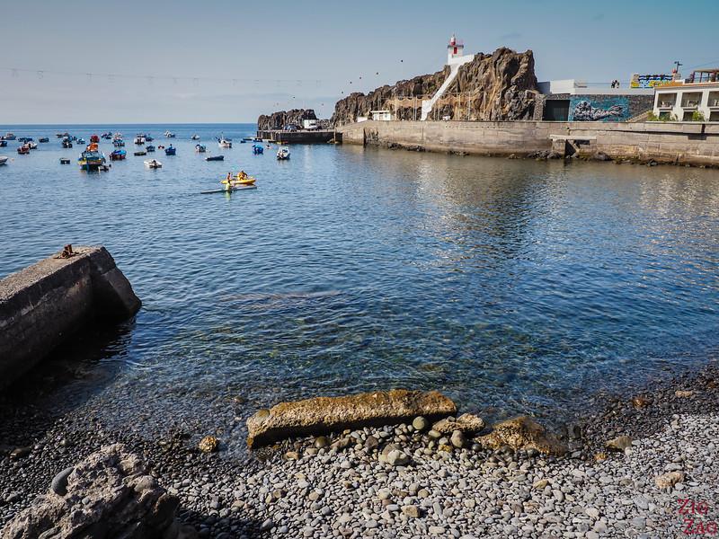 Camara de Lobos port and lighthouse