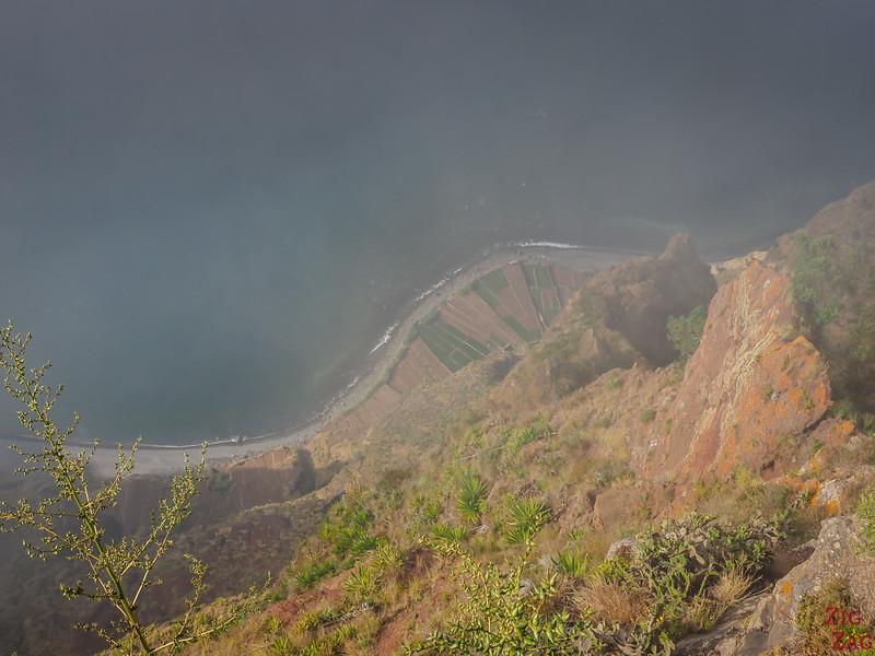 Falaises de Cabo Girao depuis le Skywalk