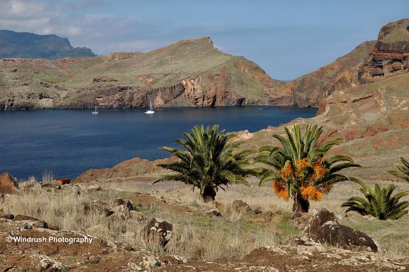 124  Baia d' Abra, Rock Formations, Ponta de Sao Lourenco