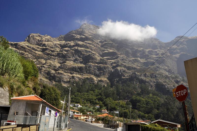 066 Curral das Freiras towards Pico do Arieiro