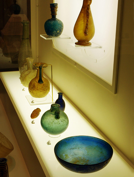 Ancient glass exhibit, Museum of Art and Archaeology, Pickard Hall, University of Missouri, Columbia.