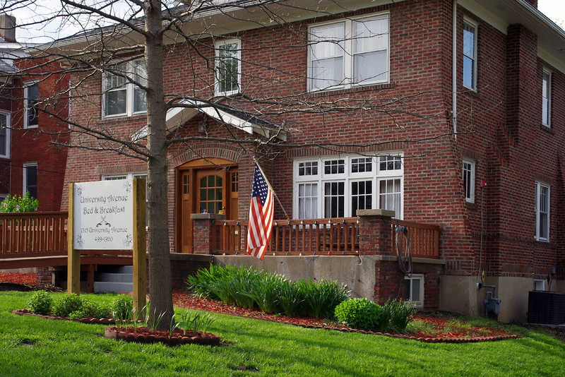 The University Avenue Bed & Breakfast is located within easy walking distance of the University of Missouri, Columbia.