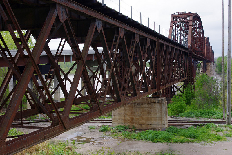 This railroad bridge over the Missouri River at Glasgow, Missouri was built in 1900. It replaces the oldest all-steel bridge in the world, built at the same site in 1879-79, now lost forever.