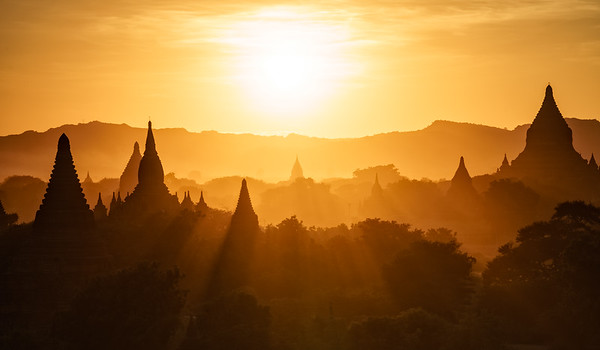 Bagan Sunset & Sunrays