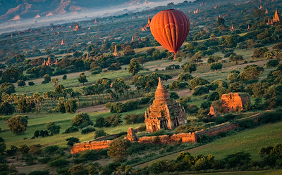 Ballonflight over Bagan