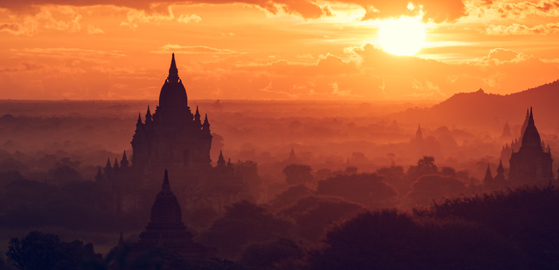 Breathtaking Sunrise over Bagan