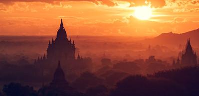 Breathtaking Sunrise over Bagan