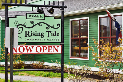 Rising Tide Community Market in Damariscotta, Maine.  This is a terrific Co-op.  Super nice employees and a wide selection of Maine based products.  You can check them out at http://www.risingtide.coop.