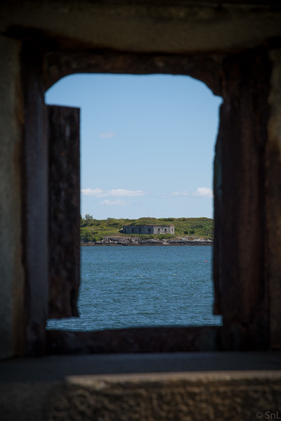 Spring Point Head Light looking at Fort Scammel