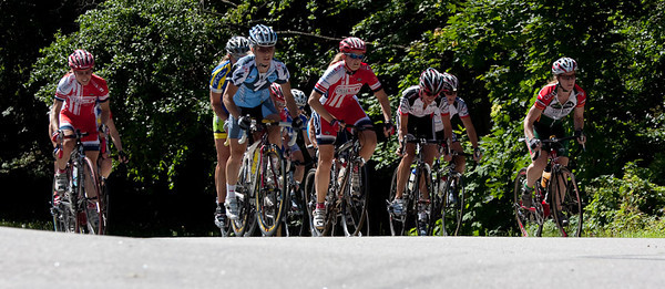The women racers work their way up a classic steep New England hill.