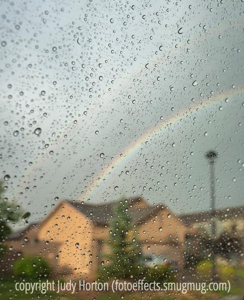 Raindrops with Rainbow