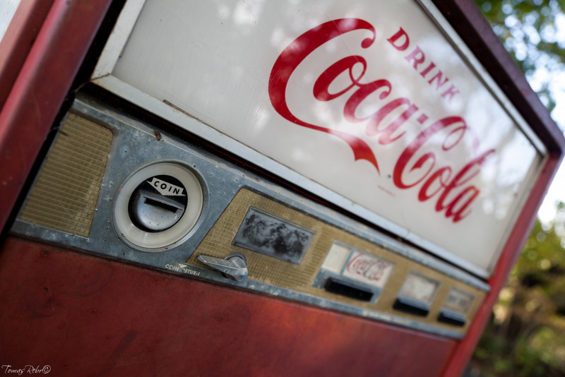 Old Coca-Cola machine at Sea Acres Motel & Cottages, Pemaquid, Maine, USA