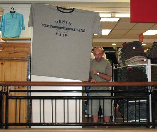 Chris Moyles's 'T'-shirt? Klang