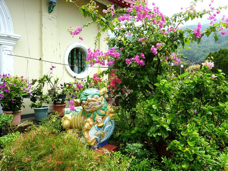 Garden, Kekloksi temple