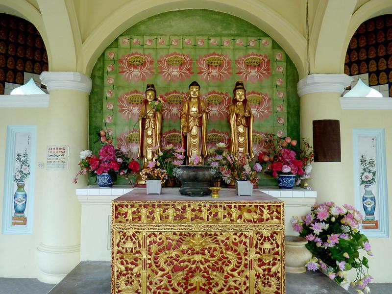 Alter, Kekloksi Temple