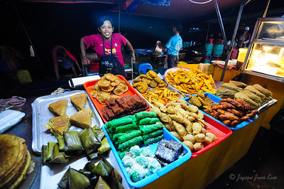 Kota Kinabalu Night Market - deserts