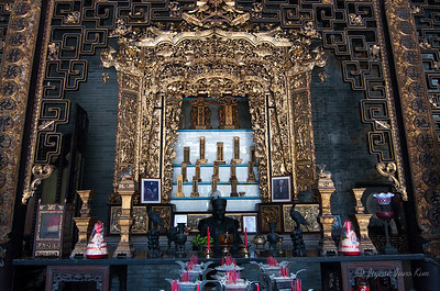 The shrine at Peranakan Museum