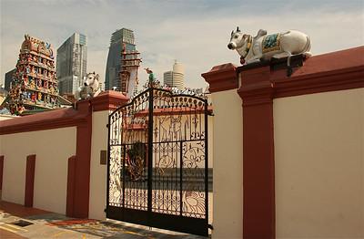 Sri Mariamman Temple, Chinatown, Singapore.