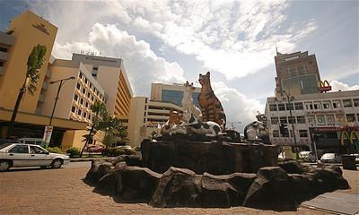 Katachtigen in Kuching (=kat), Sarawak, Maleisië.
