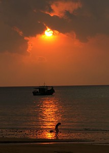 sun boat man 0096_filtered