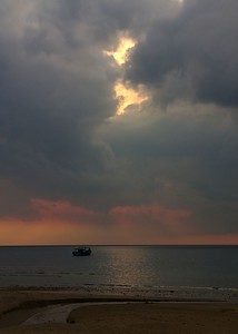 lone boat 0087_r1_filtered
