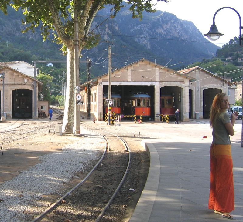 Waiting for the train in Soller