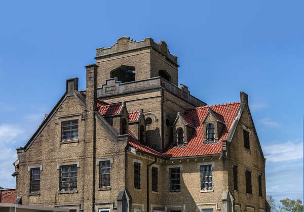 Full view, rear of the jail