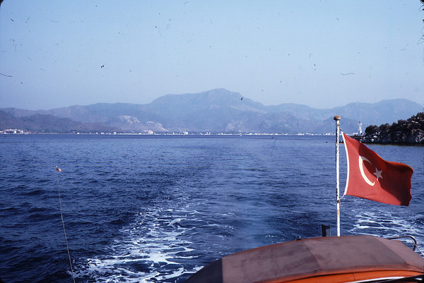 Leaving Marmaris, with the roof of the Deux Chevaux visible