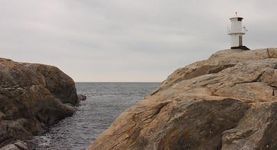 Between the rocks is the horizon