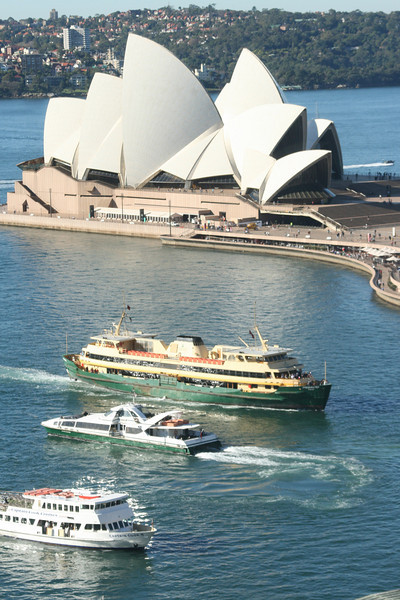 Pat's FAVORITE Australia shot.  Now hangs on our 'travel wall' downstairs.  Taken from our hotel room.