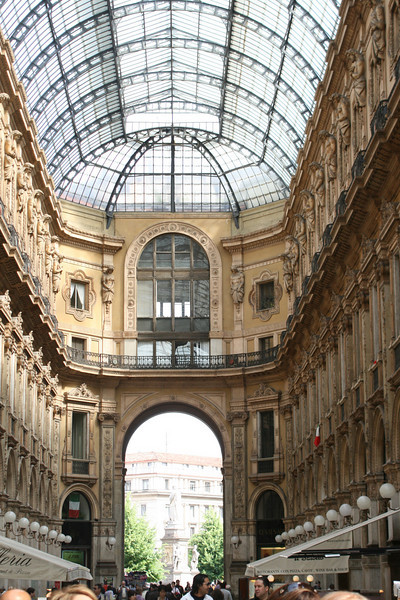 The first shopping mall in Europe!