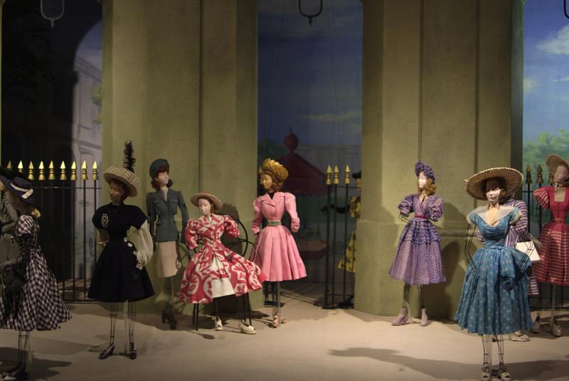 Theater la Mode.