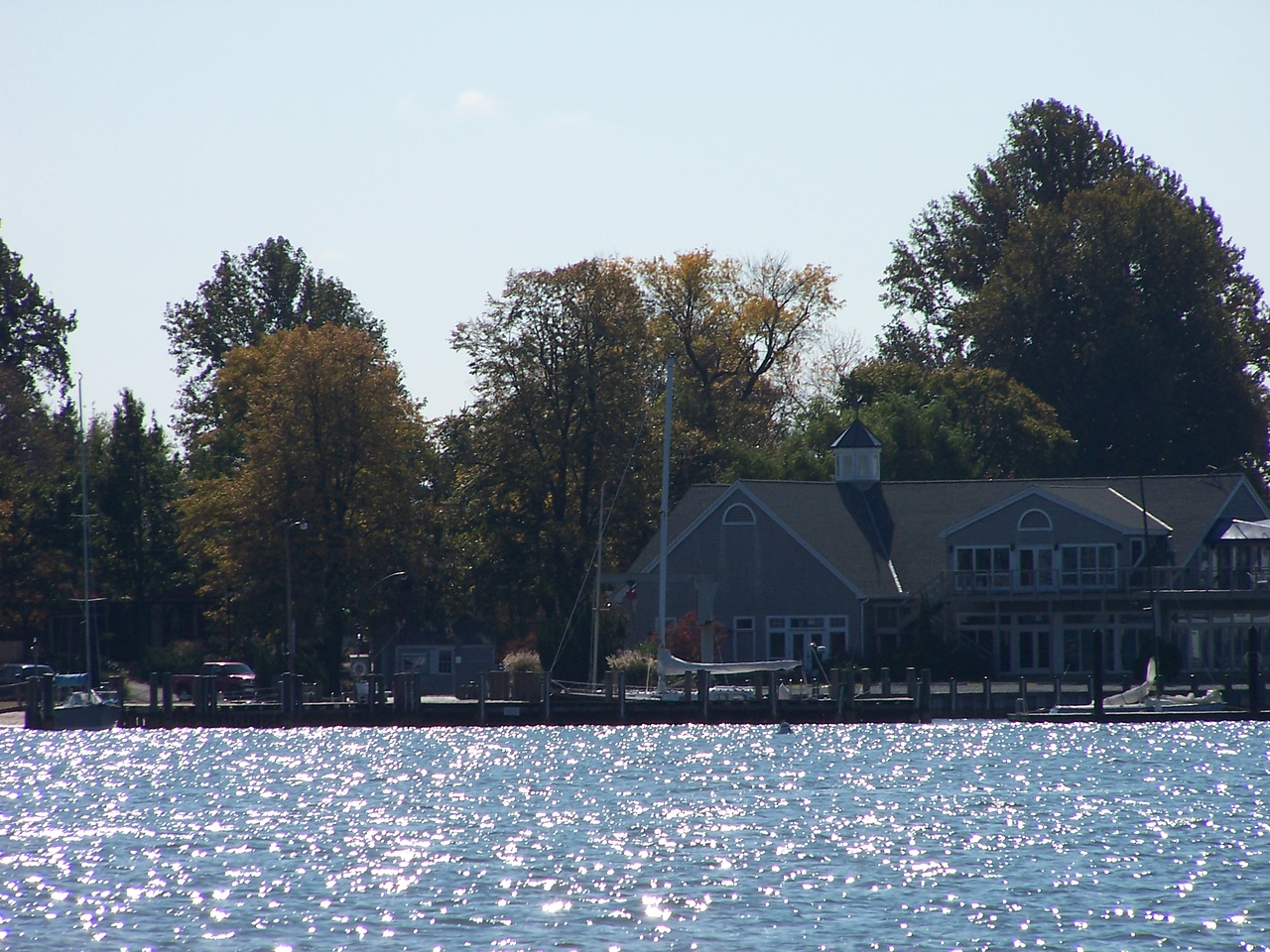 """10x Optical zoom of a """"house"""" on the shore.  This place was HUGE!"""