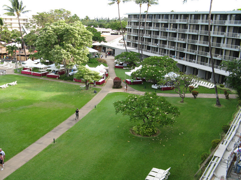 View of the hotel courtyard from our lanai.