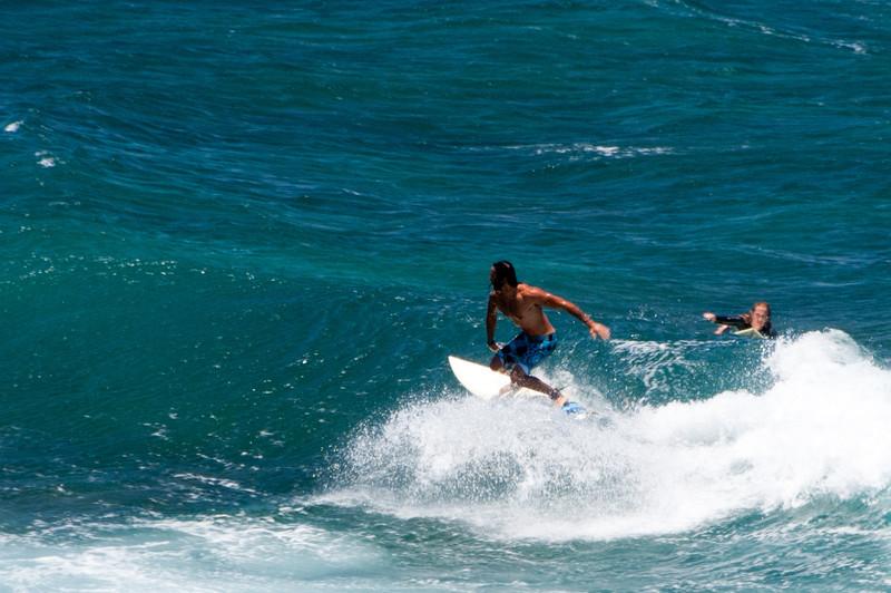 Surfers by Ho'okipa Beach Park