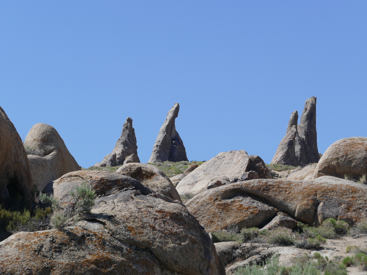 Lots of bare rock in the Alabama Hills.  Big rocks!