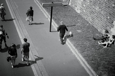 Sunday pedestrian paradise along La Seine - Paris, Sunday May 6, 2007