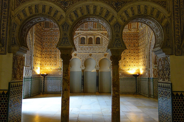 This palace became the residence of the Kings of Castile and later the Kings of Spain.