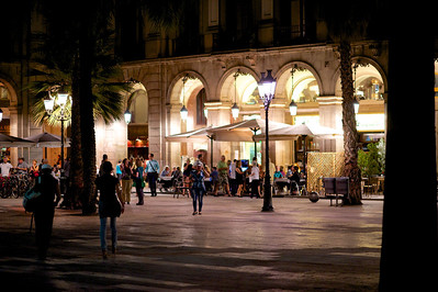 Placa Reial, or Royal Plaza