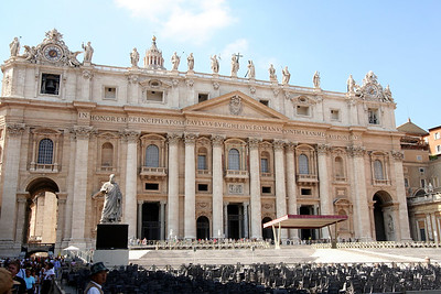 The facade of St. Peters.  Spectacular!