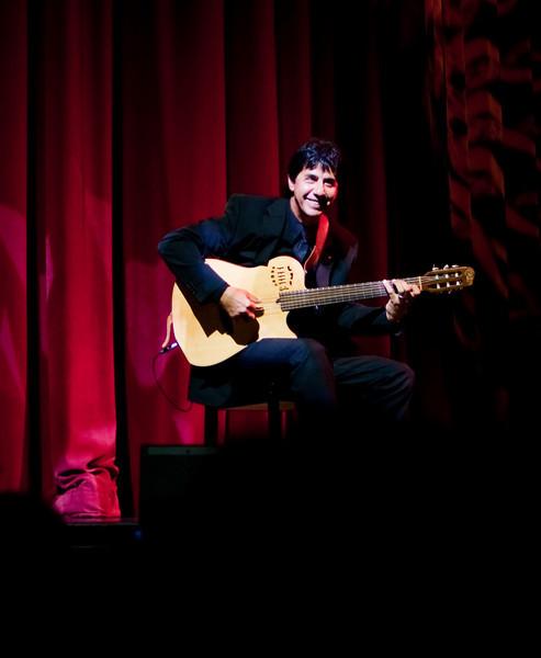 Equinox Entertainment - Jefferson Guitarist