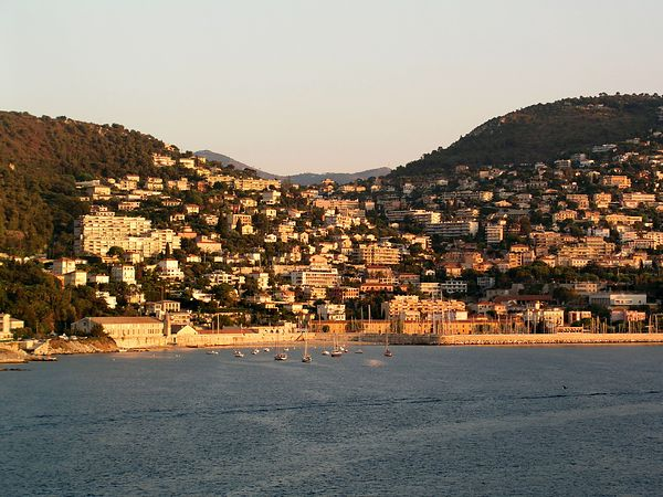We arrive at the center of the French Riviera, Villefranche, on Saturday, September 6 at about 7am, just after sunrise. As Amalfi is the most beautiful drive in Italy, the  Corniche, or cliff road on the Cote d'Azur, is the most beautiful drive in France.