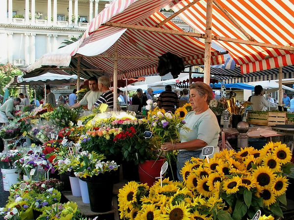 The flower vendor in the street market in Nice