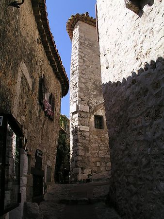 The villiage of Eze dates back to the middle ages. The buildings are all made of local stone.