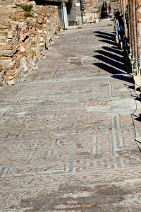 Simply stunning mosaics on one of the streets.